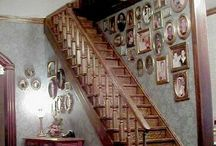 Dollhouse Stairs / How to make miniature dollhouse-sized stairs.