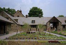 Romantic Barn Courtyards