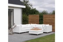 Buiten | Loungesets / mooie #loungesets, #design #loungemeubels en #tuinmeubelen voor #buiten Van modern design tot de bekende en populaire lounge tuinsets van gevlochten polyrattan (hoogwaardig kunststof) en wicker tuinsets met aluminium accenten. Natuurlijk zijn onze duurzame loungesets voorzien van comfortabel kussens om heerlijk lang in je tuin te vertoeven.