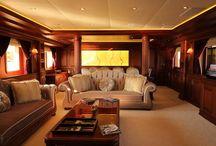 Backlit Onyx Wall for Yacht / Bookmatch backlit honey onyx
