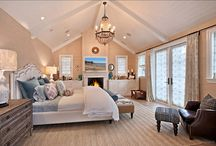 Marvelous Master Bedrooms / Master bedrooms that make you want to stay in bed, or at least in the room all day!