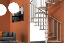 Scale a chiocciola / Le nostre scale a chiocciola si presentano con diversi approcci estetici e con ottime capacità di adattarsi al design e allo stile del vostro ambiente.