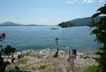 Lago Maggiore / Ciò che rende unico il Lago Maggiore è l'arcipelago delle 3 isole Borromee. Oltre alla pittoresca Isola dei Pescatori, sull'Isola Bella e l'Isola Madre, di proprietà della nobile famiglia dei Borromeo, sorgono due palazzi ricchi di opere d'arte.