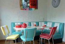 Corner dining