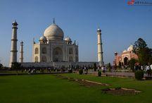 Le Taj-Mahal / Le Taj est le plus beau monument construit par les Moghols, les dirigeants musulmans de l'Inde. Taj Mahal est entièrement construit en marbre blanc.