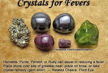 Edelsteineine Kristalle und Drusen