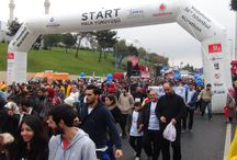 """Asfa Gönüllüleri İstanbul Maratonuna""""İlla Edep"""" Temasıyla Katıldı / 28 yıllık köklü geçmişine sığdırdığı akademik ve sportif alanlardaki başarılarıyla adından her zaman söz ettiren Asfa Eğitim Kurumları 36. İstanbul Maratonu'na katıldı."""