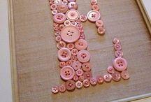 Botonera / Descripción de Marcos corazones cuadros con botones y bijouttery