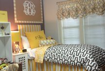 dorm room/apartment / by Emily Dyer