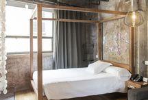 Rooms / Ninguna habitación es igual. Diseño y vanguardia se unen en las 33 habitaciones del Brondo Unusual Hotel. Diseñadas para sorprender y no dejar indiferente a ninguno de nuestros huéspedes. Cada habitación, una experiencia inusual.