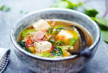 Recettes asiatiques / De la Corée à la Thaïlande, en passant par l'Inde ou la Chine, trouvez l'inspiration parmi nos recettes asiatiques : riz sauté, nouilles sautées aux légumes, rouleaux de printemps, salade de bœuf thaï, nems...