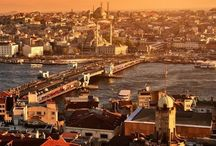 Istanbul / If the Earth was a single state, Istanbul would be its capital.  Napoléon Bonaparte
