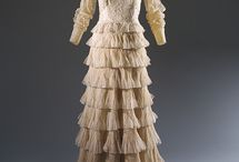 Fashion Designer: Gabrielle 'Coco' Chanel (House of Chanel) / Fashion Designer Gabrielle Bonheur Chanel (born in Saumu, France August 19, 1883; died in Paris, France, January 10, 1971).  This board features everything Chanel.