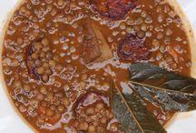 Beans, lentils and chickpeas / Platos de legumbres