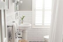 Bathroom black & white retro