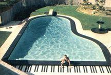 ピアノ型プール