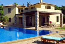Greek Family Villas i / Lovely Family Villas that are ideal for large gatherings of Family and Friends. Some are luxury and some are for the budget conscious. wwww.GreekVillas.com