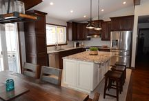 Custom Wood Kitchen with White Island / Renovate your old kitchen into a culinary dream space... this wood kitchen with island has optimal flow and ideal storage as well as ample counter space ...it will inspire the inner chef to ignite.
