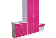 Jodees house girls room / hot pink and white