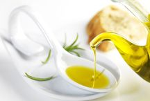 Aceite de oliva Virgen Extra / Venta de Aceite de Oliva Virgen Extra (AOVE) de distintas Denominaciones de Origen. Selección de aceites de oliva Premium de reconocido prestigio y premiados internacionalmente. Oro líquido español con propiedades organolépticas únicas, para consumir en crudo o para realzar sus platos gourmet. Aceites de oliva ecológicos Delicatessen de la más alta calidad que aportan los beneficios del aceite de oliva para su salud y la de los suyos.