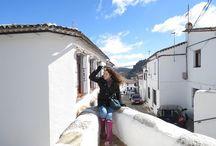 Europa - Spanien - Andalusien / Andalusien ist von den 17 autonomen Gemeinschaften Spaniens die südlichste, die auf dem Festland liegt. Andalusien grenzt im Norden an Kastilien-La Mancha und an die Extremadura, im Osten an Murcia, im Süden an das Mittelmeer, das britische Überseegebiet Gibraltar und den Atlantischen Ozean sowie im Westen an Portugal. Die Hauptstadt Andalusiens ist Sevilla... https://de.wikipedia.org/wiki/Andalusien