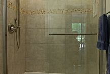 Bathrooms / Bathrooms and showers for guest house