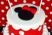 Mickey Mouse & Minnie Mouse cakes / by Esther Rueda