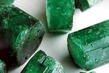EMERALD ~ PANTONE 2013 COLOR OF THE YEAR