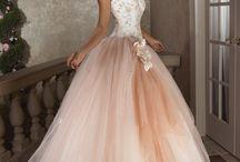 Prom dresses / A board for prom dresses I like :)