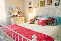 Guest bedroom / by Dayna Brehm
