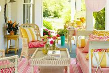 Back Porches and Outdoor Living / by Sarah Marie Thigpen
