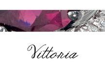 Vittoria / #Bibigi , #Bibigì Gioielli in oro bianco, brillanti e rodolite.  Per festeggiare la donna elegante nasce VITTORIA, la collezione con preziosi collier a forma di goccia dal gusto vagamente retrò, una parure completa di rara eleganza.