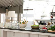 Kitchen/Home Dreams / by Amanda Carbuhn