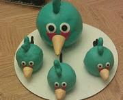 Birthday Cakes / by Paula Decaria