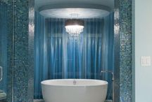 Relaxing bathrooms decorated in blue