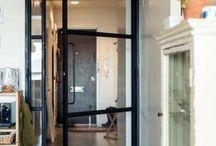 アイアンのドア