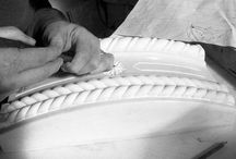 Josafat Cardini & figli sas di Cardini Daniele / Josafat Cardini, artigiano marmista, apre la prima bottega di statue ed ornati di marmo nel 1912. Da allora l'azienda ha conservato la caratteristica di base che ne forma il carattere primario: la manualità, la cura artigianale dei dettagli, l'impiego di personale altamente qualificato e dotato di grande esperienza ed estrema sensibilità verso la materia prima