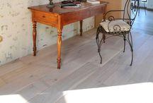 Parquet Campagne / La collection Campagne apporte tendresse et chaleur à votre demeure de style ancien. Ce parquet s'associe très bien avec des murs rustiques. Fumé ou coton, il est particulièrement apprécié en combinaison avec des murs et plafonds rustiques.