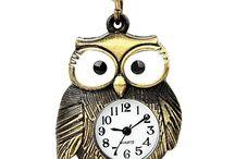 Lantisoare vintage cu pandantiv si ceas incorporat
