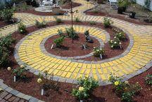 Garden Ideas / by Karen Hockom