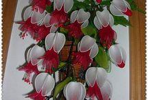 Kwiaty z rajstop
