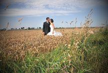 Photos de mariage / Photographie de reportage mariage, de l'habillage, à la soirée, en passant par les cérémonie, les photos de couple et le vin d'honneur