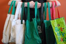 Custom Printed Plastic Bags / Customized bags and totes promote your business