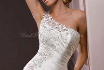Wedding Dresses / by Faith Funderberg