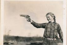 pang / girls with guns