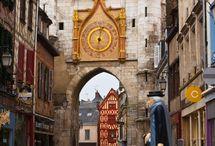 Hrady, zámky, katedrály, kostely