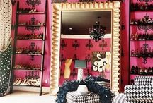 wardrobe spaces / Clever & beautiful wardrobe or closet spaces from minimal to walk in spaces. Ideas are endless.