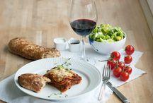 Aftensmad / Her finder du masser af inspiration og forslag til lækker aftensmad. Der er både elskede danske retter, billige og nemme hverdagsretter samt sunde alternativer.