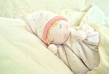 Bonecas / Bonecas em tecidos, feltros , croche e trico / by Leila Folli Rossi