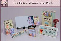Set Botez Winnie the Pooh / BebeStudio11 - Personalizam invitatii, marturii, plicuri de bani, meniuri, nr de masa pentru botez.